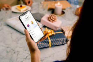 Rahan antaminen lahjaksi helpottuu – MobilePay lanseeraa Lahjat-ominaisuuden
