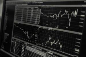 Miksi osakkeisiin sijoittaminen on viime aikoina yleistynyt entisestään?
